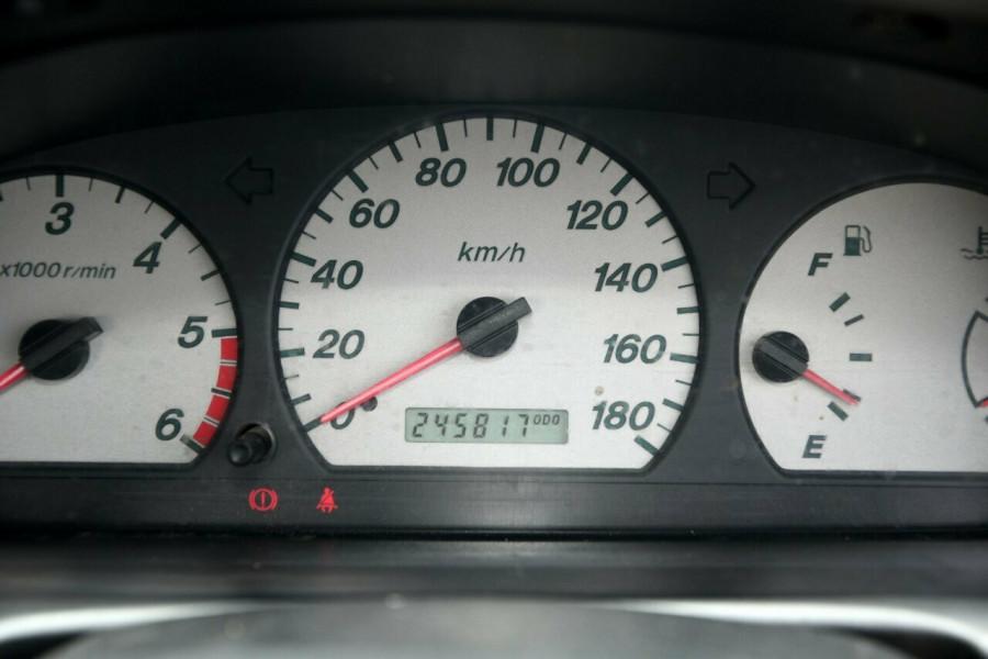 2005 Mazda Bravo B2500 DX 4x2 Cab chassis
