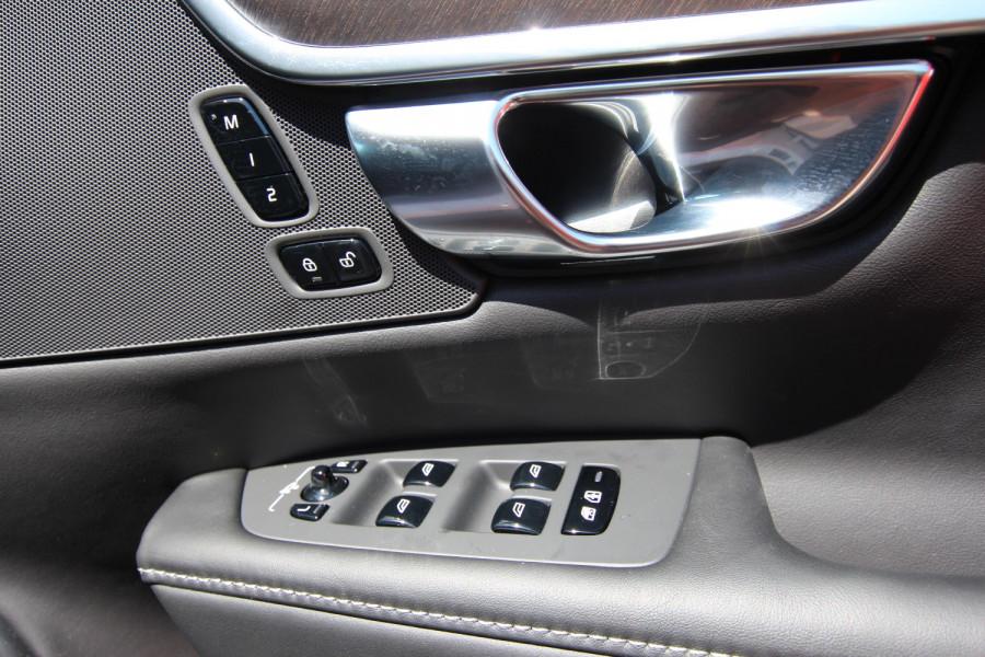 2020 Volvo V90 Cross Country P Series D5 Wagon Image 20