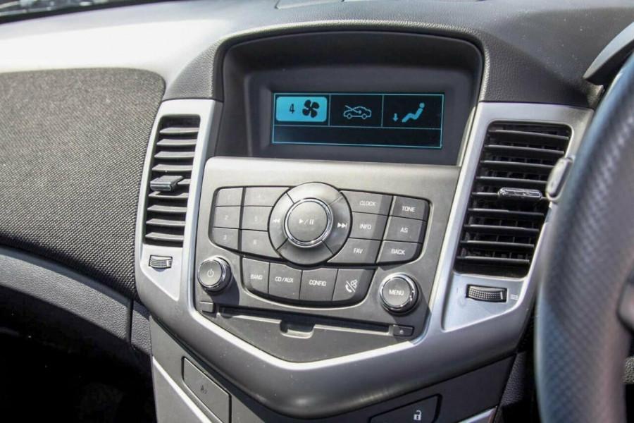 2012 Holden Cruze JH MY12 Equipe Hatchback Image 11