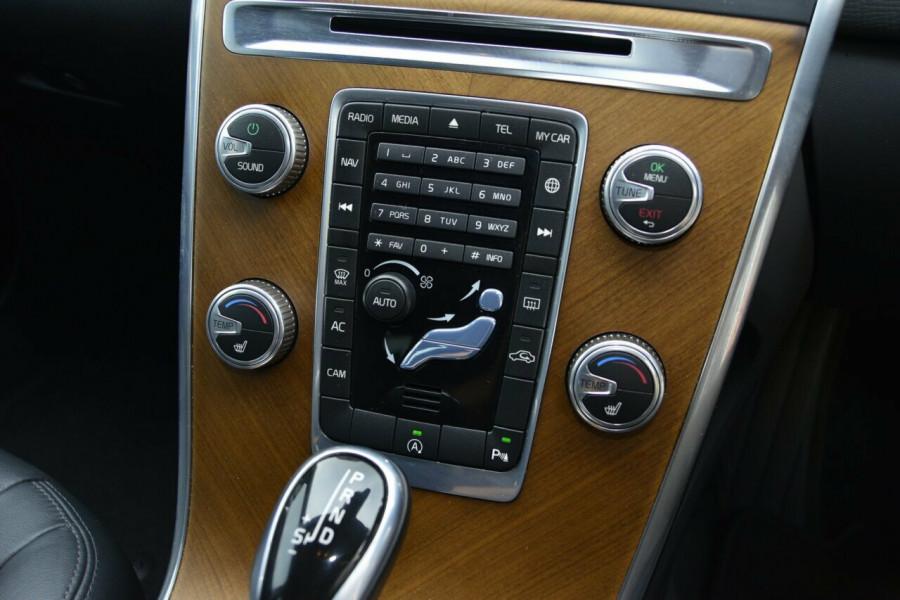 2015 Volvo XC60 LUXURY Suv Image 14