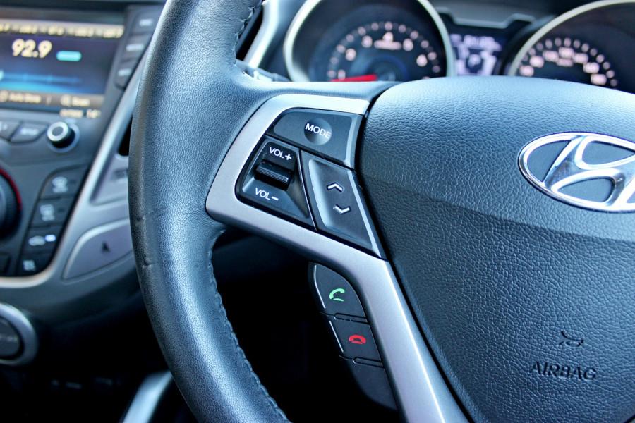 2012 Hyundai Veloster FS Hatchback Image 19