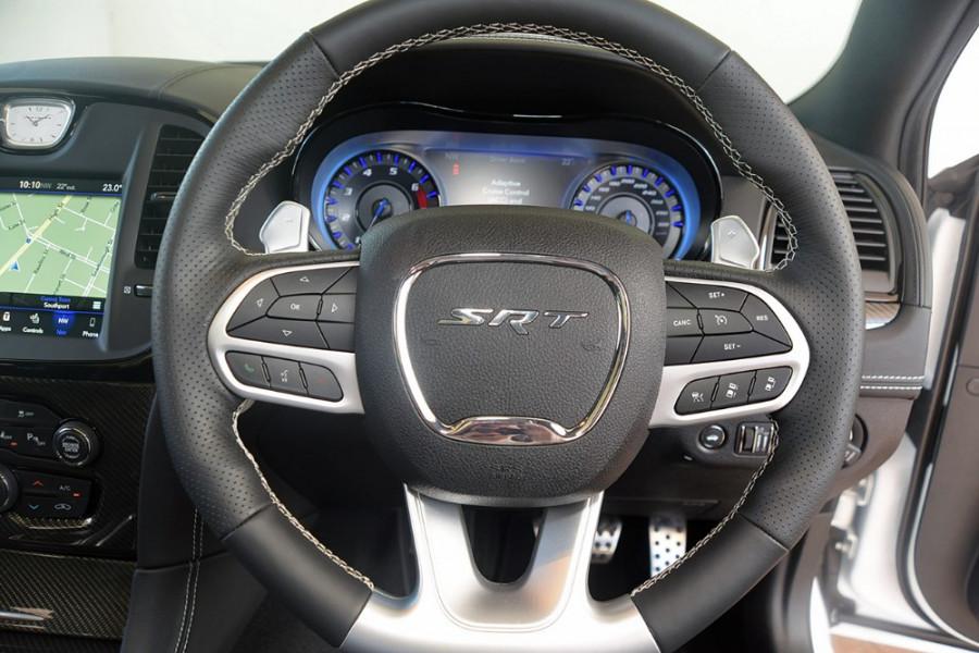 2018 MY19 Chrysler 300 SRT LX SRT Sedan Mobile Image 11