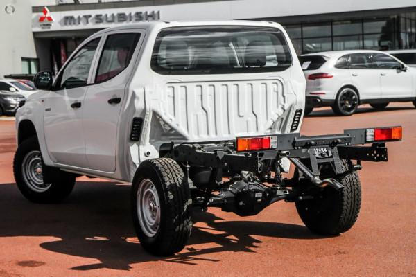 2020 Mitsubishi Triton MR GLX ADAS Double Cab Chassis 4WD Cab chassis Image 4