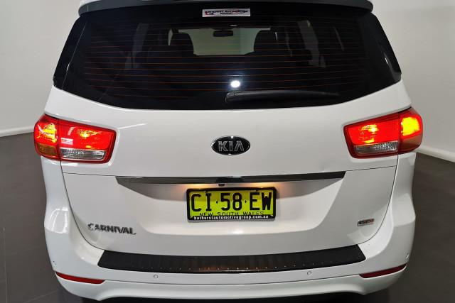 2016 Kia Carnival YP Turbo S Wagon Image 5