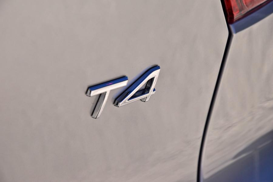 2019 Volvo XC40 XZ T4 Momentum Suv Mobile Image 25
