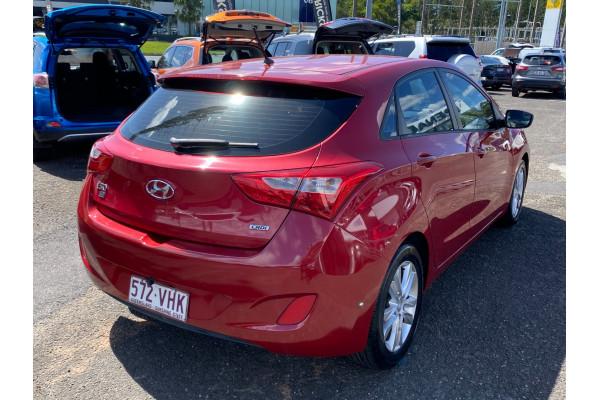 2014 Hyundai I30 GD2  SE Hatchback Image 3