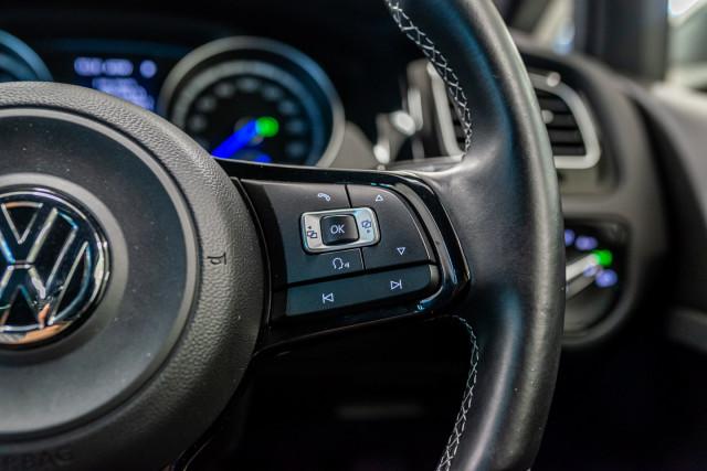 2016 Volkswagen Golf 7 R Hatchback Image 31