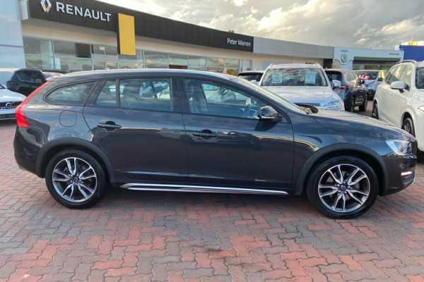 2015 MY16 Volvo V60 Cross Country F Series MY16 D4 Geartronic AWD Luxury Wagon Image 2