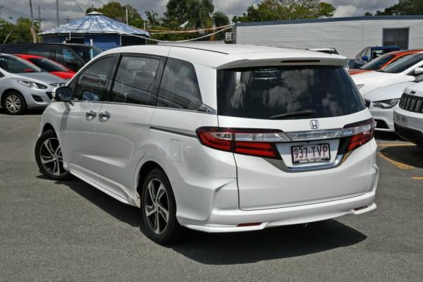 2014 Honda Odyssey 5th Gen VTi-L Wagon Image 2