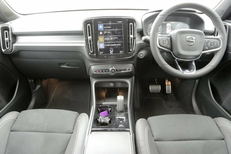 2019 Volvo XC40 T5 R-Design (AWD) Suv Mobile Image 5