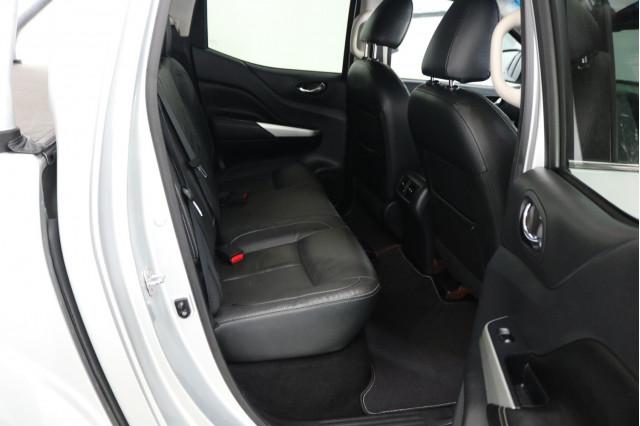 2015 Nissan Navara D23 ST-X Utility Image 5