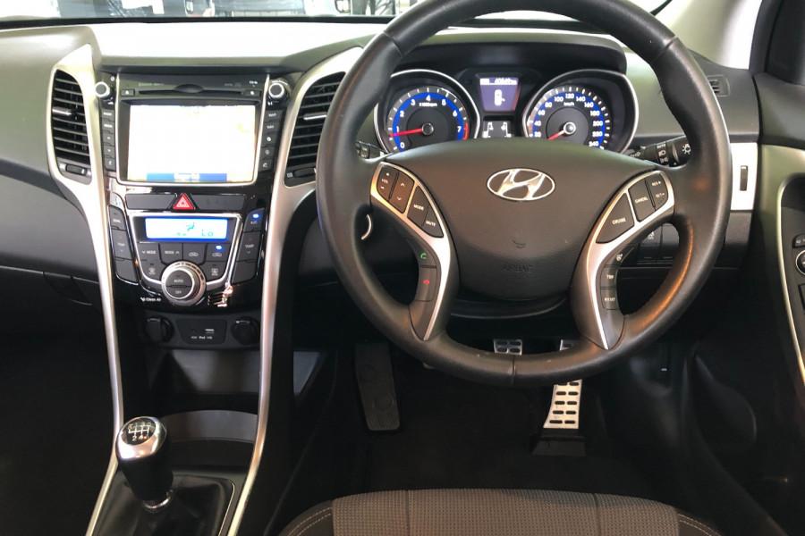 2015 MY16 Hyundai I30 GD3 Series II  SR Hatchback Image 11