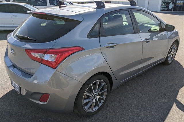 2015 MY16 Hyundai i30 GD4 Series II Elite Hatchback Image 5