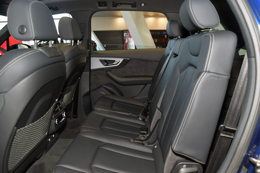 2019 Audi Q7 S 4.0L TDI V8 Quattro Tiptronic 320kW Suv Mobile Image 11