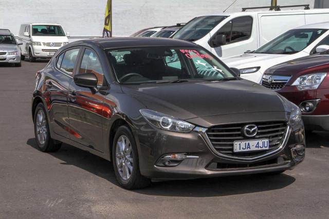 2017 Mazda 3 BN Series Maxx Hatchback Image 3