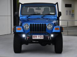 2003 Chrysler Wrangler TJ Sport Convertible Image 2