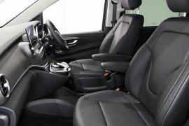 2018 Mercedes-Benz V Class Van Image 4