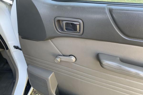 2004 Nissan Patrol GU II DX Cab chassis Image 4