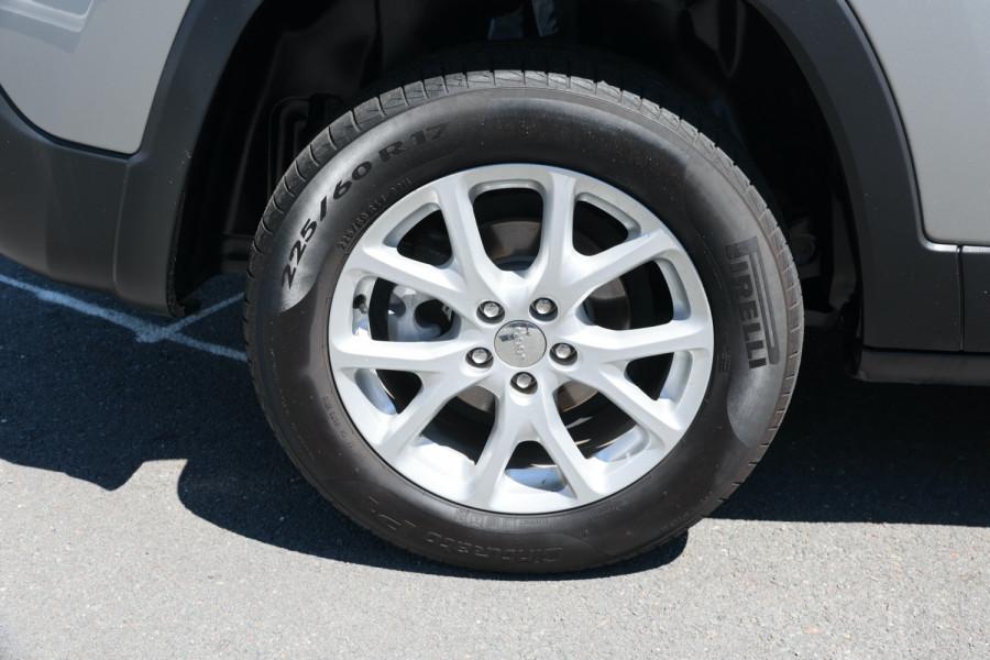 2014 Jeep Cherokee KL Sport Suv Image 5