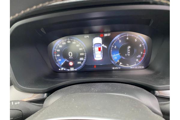 2020 Volvo S60 Z Series T5 R-Design Sedan Image 5