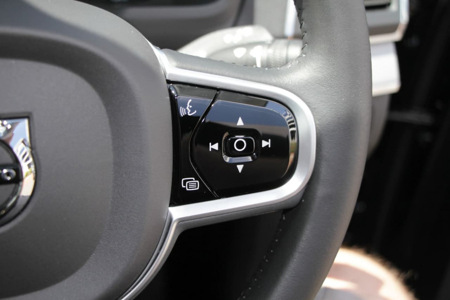 2019 MY20 Volvo XC90 L Series D5 Momentum Suv Image 19