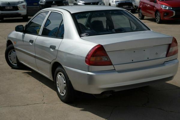 1998 Mitsubishi Lancer CE GLi Sedan Image 2