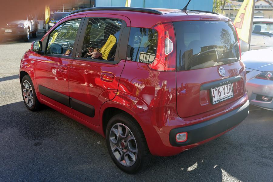 2013 Fiat Panda 150 Lounge Hatchback Mobile Image 4