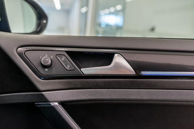 2016 Volkswagen Golf 7 R Hatchback Image 33
