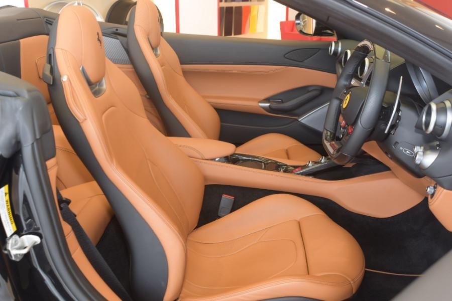 2018 Ferrari Portofino Convertible Mobile Image 5