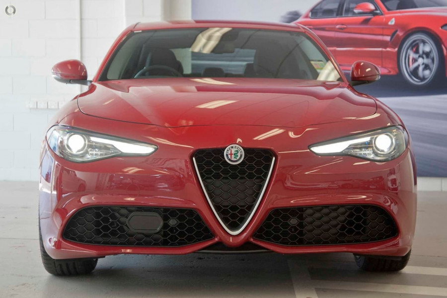 2018 MY17 Alfa Romeo Giulia Veloce Sedan