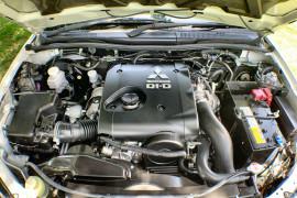 2014 MY15 Mitsubishi Triton MN MY15 GLX-R Dual cab Image 3