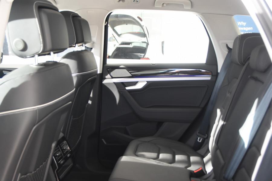2020 Volkswagen Touareg CR 190TDI Premium Suv Image 7