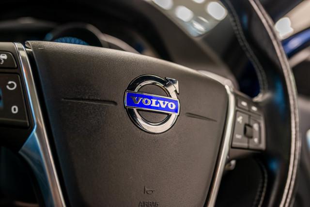 2016 MY17 Volvo S60 F Series T6 R-Design Sedan Image 38