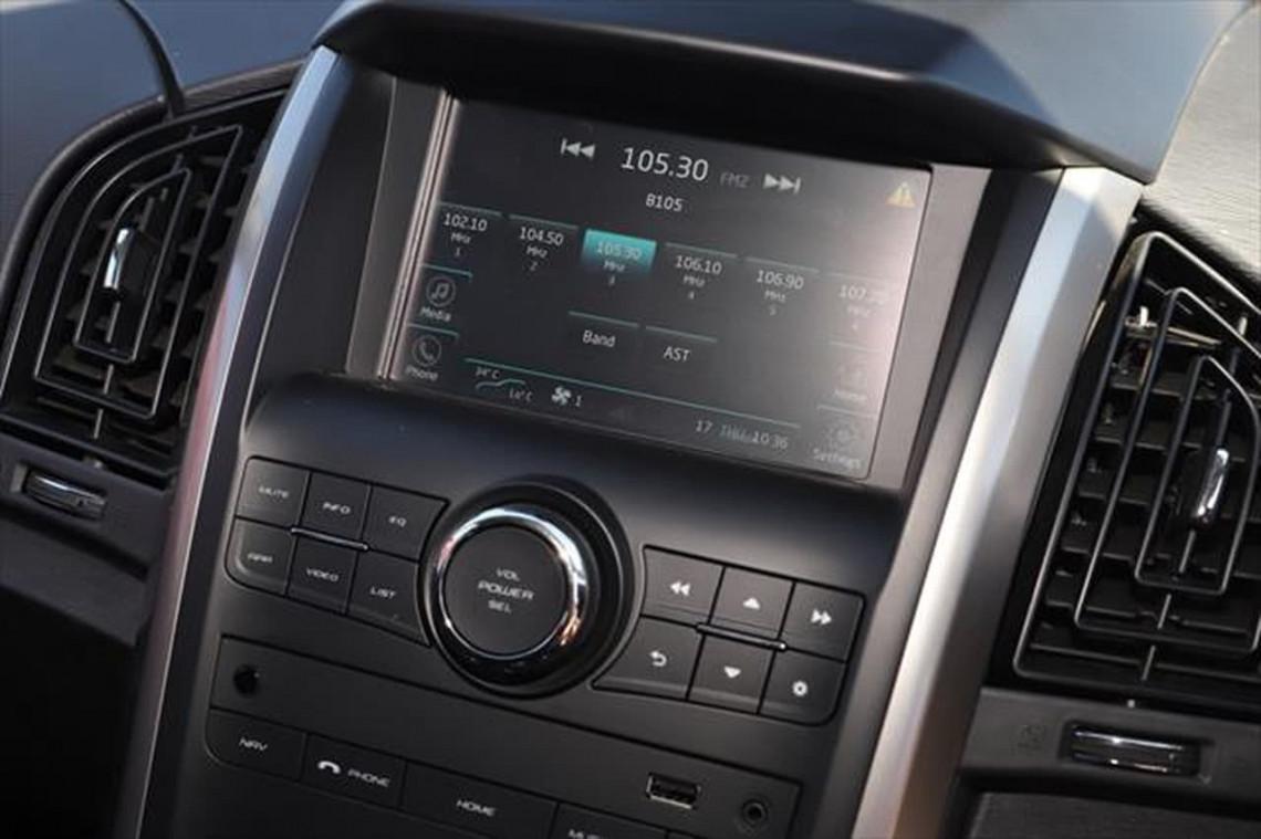 2020 MY19 Mahindra XUV500 W6 FWD Suv Image 14