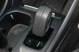 2019 Volvo XC40 XZ T4 Momentum Suv