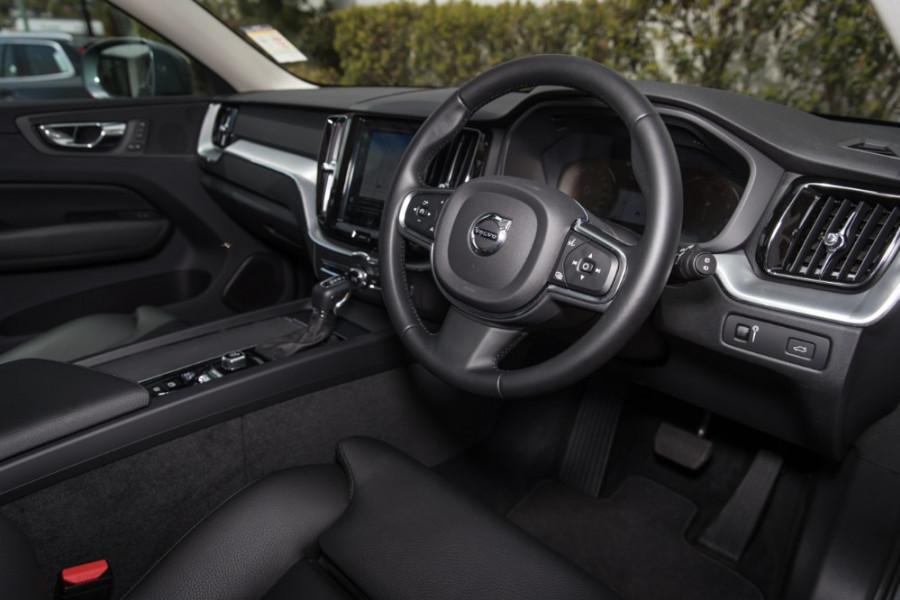 2018 MY19 Volvo XC60 UZ T5 Momentum Suv Mobile Image 7