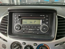 2012 Mitsubishi Triton MN  GL-R Utility image 17