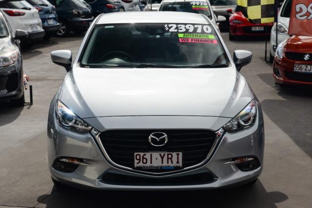 2018 Mazda 3 Hatchback Image 3