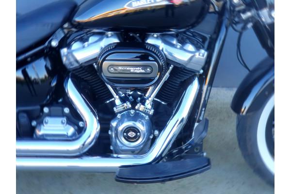 2019 Harley Davidson Softail Slim 107 FLSL Motorcycle Image 4