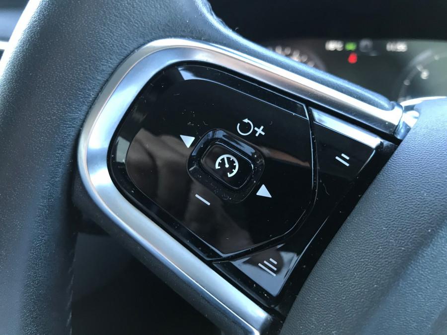 2016 Volvo XC90 Vehicle Description. L  MY16 D5 Inscriptio WAG GEAR 8sp 2.0D D5 Suv Image 15