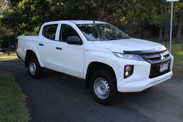 Mitsubishi Triton GLX Double Cab Pick Up 4WD MR