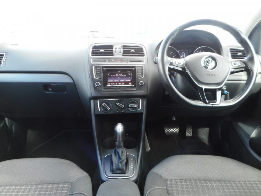 2015 Volkswagen Polo Hatchback Image 15