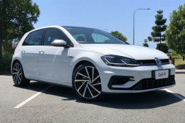 Volkswagen Golf R 7.5