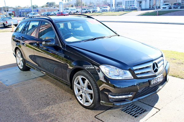 2014 Mercedes-Benz Mb Cclass C200 Wagon Image 4
