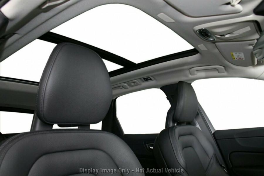 2018 MY19 Volvo XC60 UZ T5 Momentum Suv Mobile Image 15
