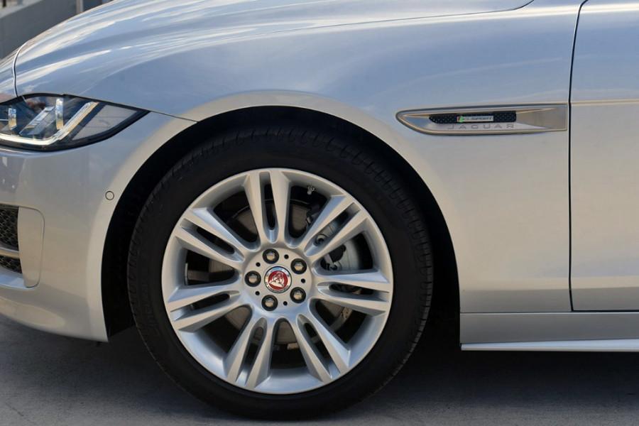 2016 MY17 Jaguar Xe X760 MY17 20d Sedan