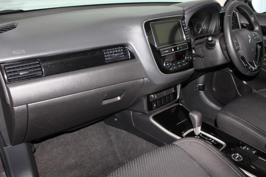 2018 MY19 Mitsubishi Outlander ZL ES Suv Image 11