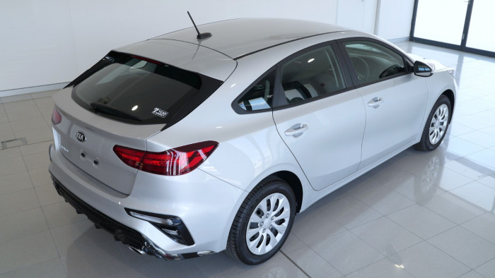 2020 Kia Cerato Hatch BD S with Safety Pack Hatchback Image 26
