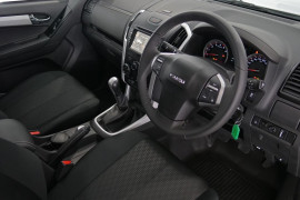 2019 Isuzu UTE D-MAX LS-M Crew Cab Ute 4x4 Utility Image 5