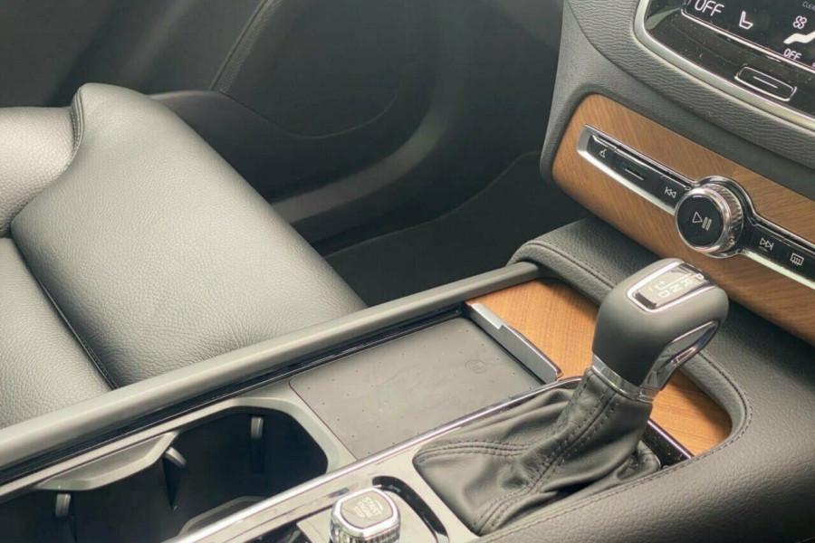 2021 Volvo XC90 L Series T6 Momentum Suv Image 25